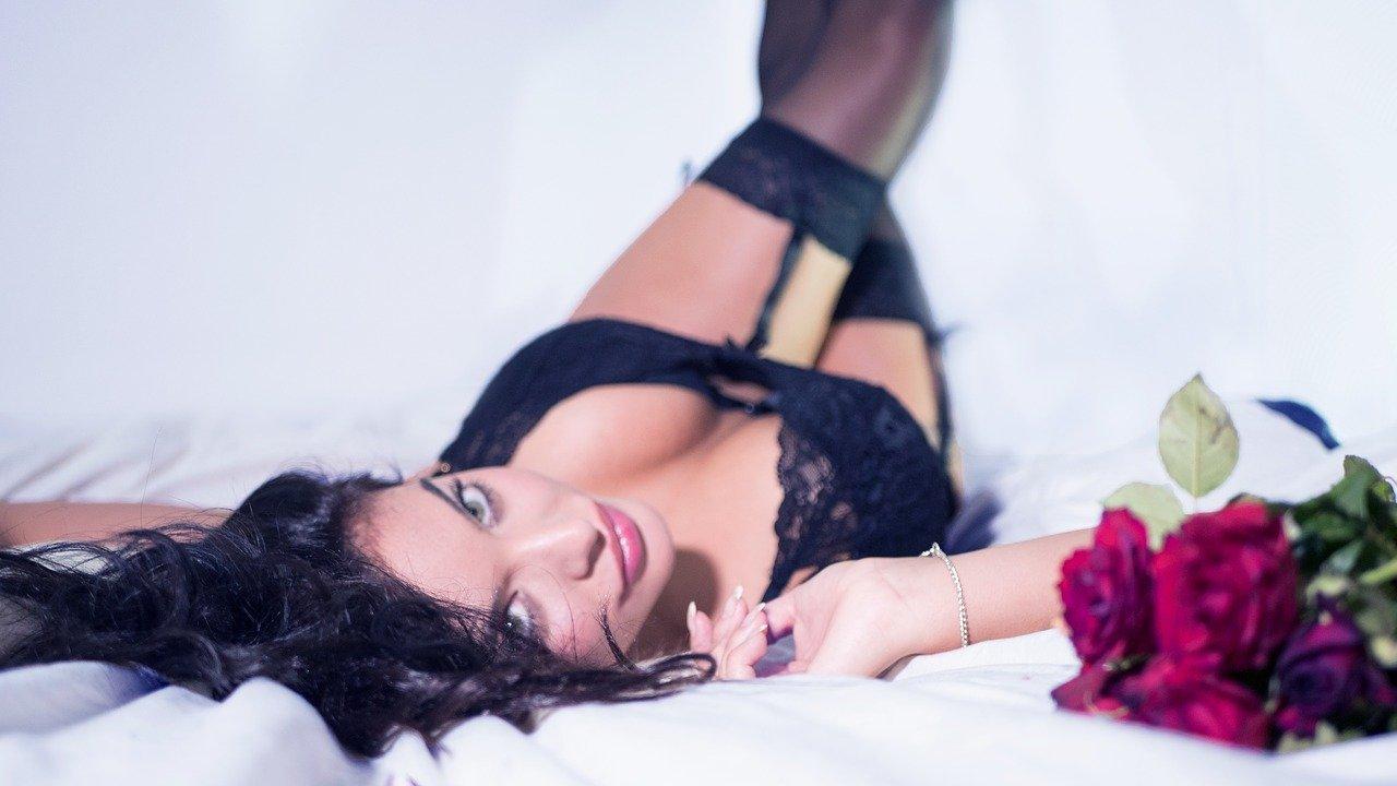 lingerie-2616801_1280
